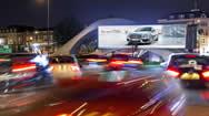 伦敦沃克斯霍尔十字路口电子广告牌