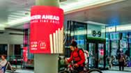 多伦多联合车站圆柱型LED电子屏