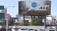 曼谷BASE高速公路巨型LED电子屏