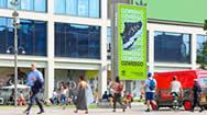 伦敦韦斯特菲尔德购物中心北门电子屏
