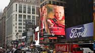 纽约时代广场宾州地铁站转角电子屏