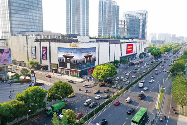 南京江宁区金鹰购物中心-拐角屏