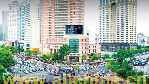 青岛香港中路新闻中心楼顶大屏广告招商