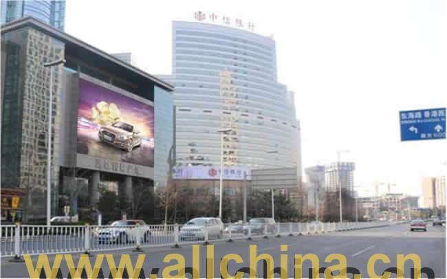 青岛香港中路远雄国际广场楼体LED电子屏幕